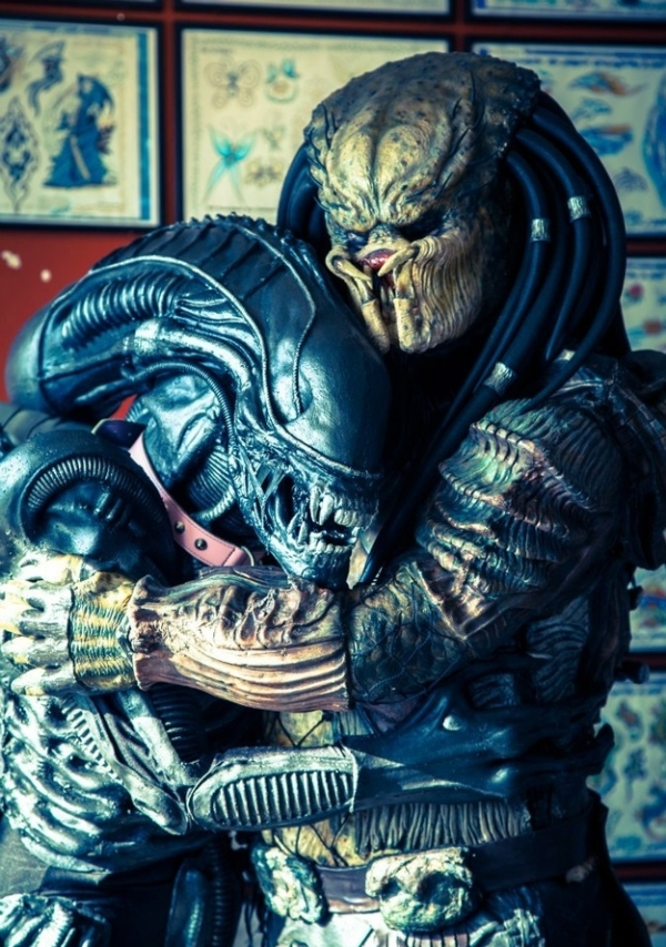 Alien + Predator Love